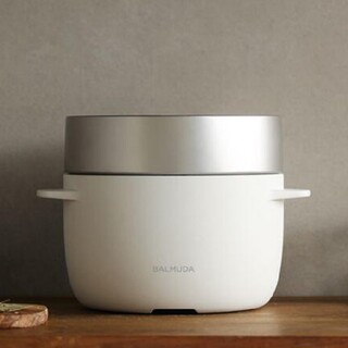 バルミューダ(BALMUDA)のBALMUDA バルミューダデザイン K03A-WH白 ホワイト(炊飯器)