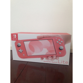 Nintendo Switch - 大幅値下げ⭐︎美品 Nintendo Switch lite  コーラル