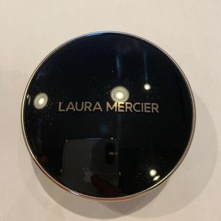 ローラメルシエ(laura mercier)のローラメルシエ フローレスルミエール ラティアンスパーフェクティングクッション(ファンデーション)