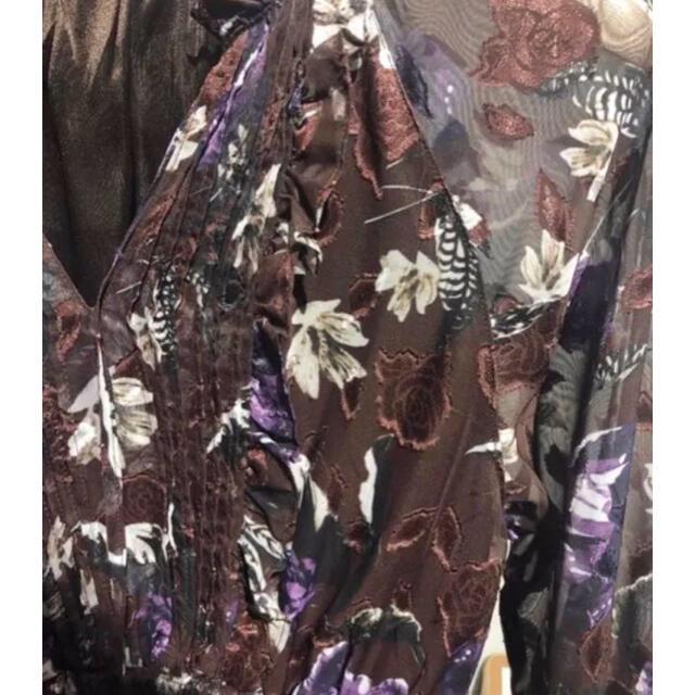 Ameri VINTAGE(アメリヴィンテージ)の【新品・未使用】人気完売 花側シフォンワンピース レディースのワンピース(ロングワンピース/マキシワンピース)の商品写真