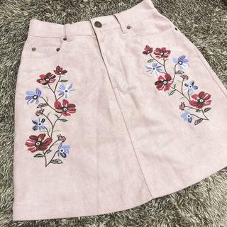 イング(INGNI)のINGNI☆花柄刺繍 台形スカート(ミニスカート)