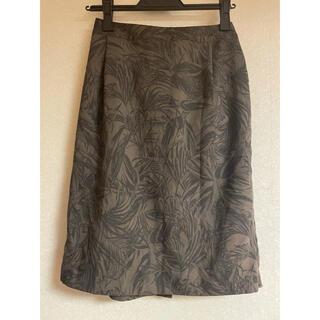 ケービーエフ(KBF)のKBF ボタニカルスカート(ひざ丈スカート)