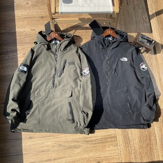 THE NORTH FACE - (The North Face)  C-1053