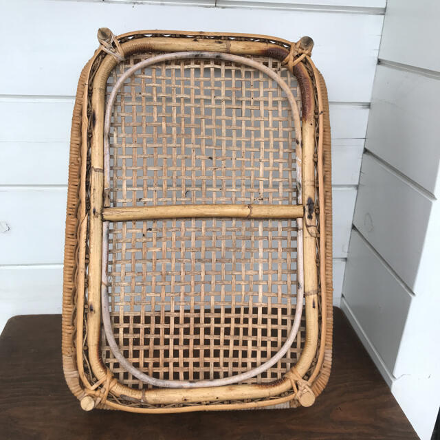 昭和レトロ ヴィンテージ 脱衣カゴ 籐製 インテリア/住まい/日用品のインテリア小物(バスケット/かご)の商品写真