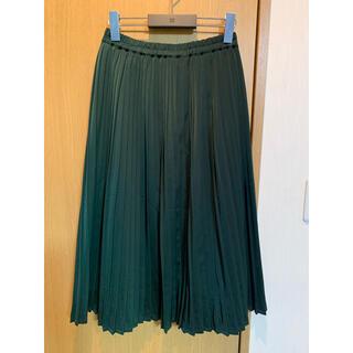 ケービーエフ(KBF)の未使用に近い KBF+ ダークグリーン プリーツスカート (ロングスカート)