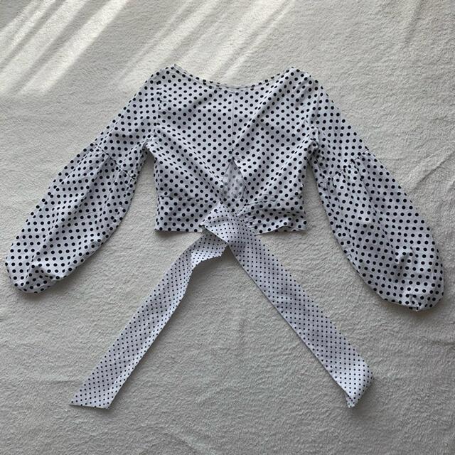 ZARA(ザラ)の【美品】ZARA  ドットブラウス リボン パフスリーブ S レディースのトップス(シャツ/ブラウス(長袖/七分))の商品写真