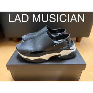 LAD MUSICIAN - 【再値下げ】LAD MUSICIAN  レザーサンダル【箱・タグ付き付属品完備】