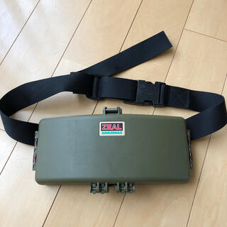 ZEAL ウエストポーチ型タックルボックス
