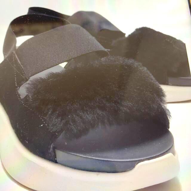 UGG(アグ)のUGG  シルバーレイク 完売品 ブラック Mamiさま専用 レディースの靴/シューズ(サンダル)の商品写真