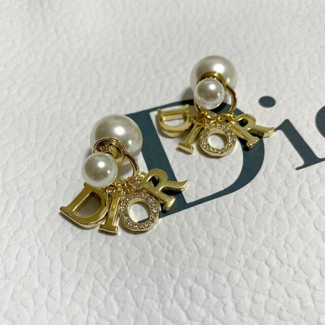 Dior(ディオール)のDIOR ピアス 新品未使用 レディースのアクセサリー(ピアス)の商品写真
