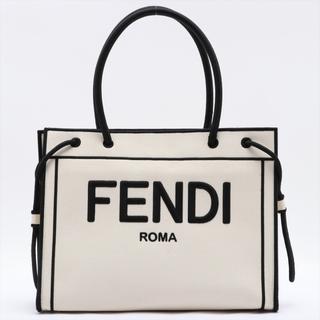 FENDI - フェンディ  キャンバス  ホワイト レディース ショルダーバッグ