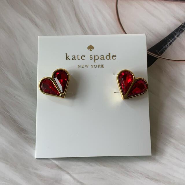 kate spade new york(ケイトスペードニューヨーク)のセール!ケイトスペード 新品未使用 赤 レッド ハートピアス レディースのアクセサリー(ピアス)の商品写真