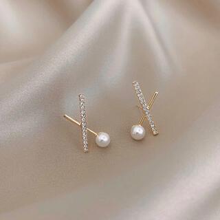 アーカー(AHKAH)のcross line pearl zirconia pierce ◯s925(ピアス)
