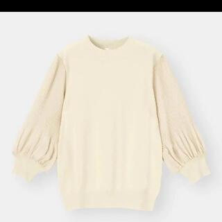 GU - プリーツスリーブセーター