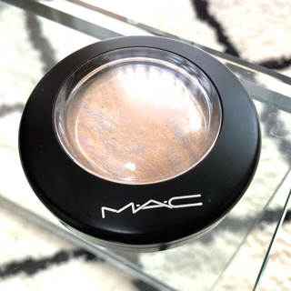 MAC - M•A•C  ハイライト🧡