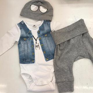 H&M - 【新品未使用❗️】H&M  ロンパースセット ズボン 帽子付き!男の子 デニム