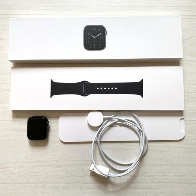Apple Watch(アップルウォッチ)のApple Watch SE GPSモデル 40mm アップルウォッチ メンズの時計(腕時計(デジタル))の商品写真