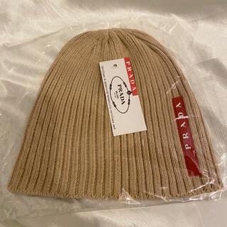 プラダ(PRADA)のPRADA プラダ ロゴ ニット帽  ベージュ 帽子(ニット帽/ビーニー)