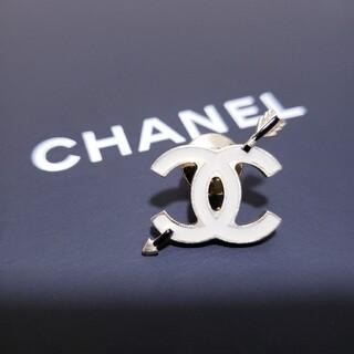 CHANEL - CHANEL シャネル ピン ブローチ 弓矢 矢 ホワイト ゴールド 白 金