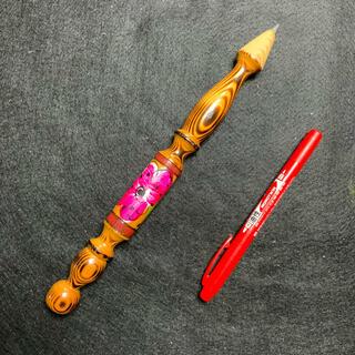 大きな鉛筆(彫刻/オブジェ)