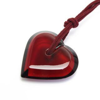バカラ(Baccarat)の美品 バカラ ハート ネックレス クリスタル 赤 レッド Baccarat (ネックレス)