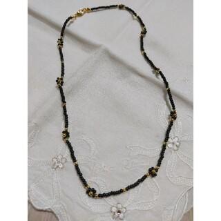 ビーズ ネックレス チョーカー ブラック×ゴールド ハンドメイド(ネックレス)