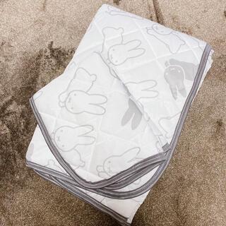 シマムラ(しまむら)のrinko様専用 ミッフィー 敷きパッド 枕パッドの2点セット(シーツ/カバー)