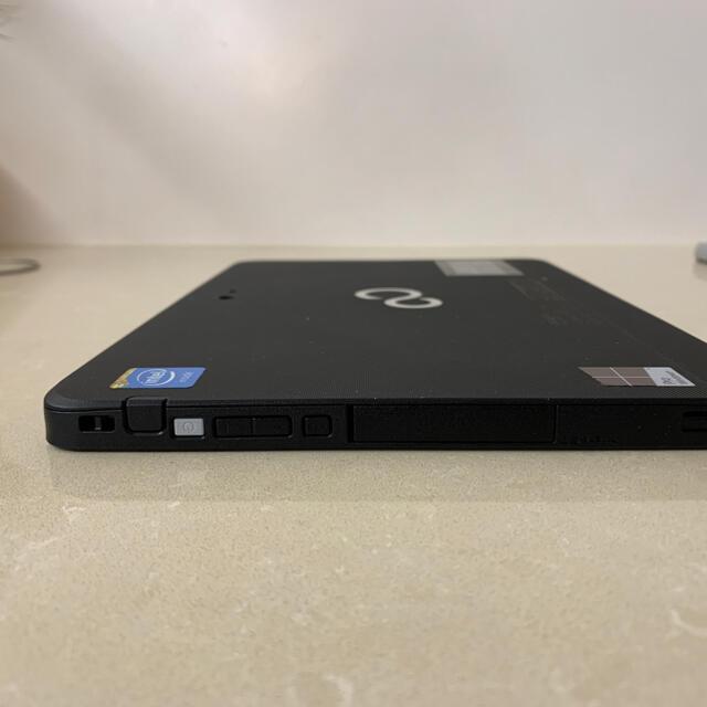富士通(フジツウ)のArrows Tab Q506/ME Windows10 本体+AC スマホ/家電/カメラのPC/タブレット(タブレット)の商品写真