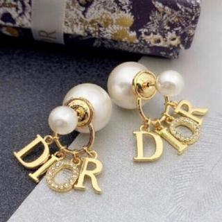 Dior - クリスチャン ディオール ピアス ゴールドs01