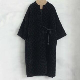 nest Robe - ○TOWAVASE ○ベルベット刺繍キルトローブ