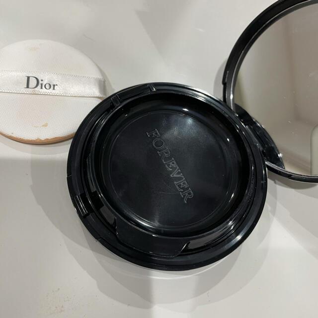 Dior(ディオール)のDior スキンフォーエバークッションファンデ 0N コスメ/美容のベースメイク/化粧品(ファンデーション)の商品写真