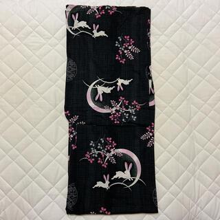 ユニクロ(UNIQLO)のユニクロ 浴衣 黒 ピンク うさぎ(浴衣)