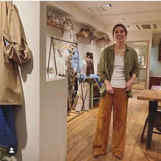 ファビアンルー(Fabiane Roux)のnowos suede pants スエード スウェード パンツ 美品(カジュアルパンツ)