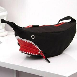 サメ ボディ バッグ ショルダ バッグ メンズ レディース おもしろ  (ボディバッグ/ウエストポーチ)