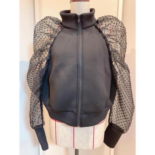 ZARA(ザラ)のZARA デザインジャージ チュール パフスリーブ   レディースのジャケット/アウター(ブルゾン)の商品写真