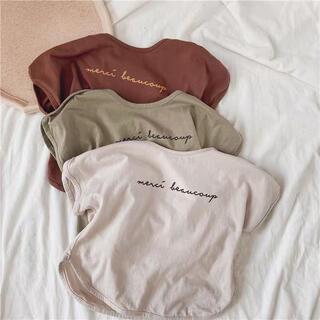 新品 くすみロゴTシャツ 女の子 男の子 半袖Tシャツ 春夏秋トップスナチュラル(Tシャツ/カットソー)
