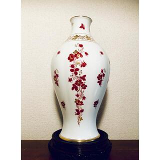 オオクラトウエン(大倉陶園)の大倉陶園 OKURA 花瓶 フラワーベース 赤花柄 金縁 洋風(花瓶)