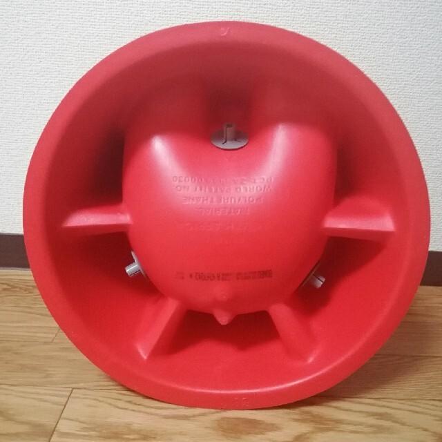 Bumbo(バンボ)のバンボ Bumbo 赤  キッズ/ベビー/マタニティの授乳/お食事用品(その他)の商品写真