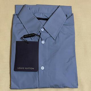 ルイヴィトン(LOUIS VUITTON)の【新品タグ付き】LOUIS VUITTON長袖グレーシャツ(シャツ)