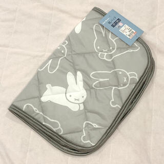 シマムラ(しまむら)の接触冷感 枕パッド 35×50 グレー ミッフィー うさぎ(枕)