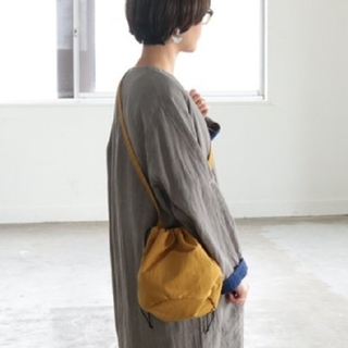 CLASKA DO クラスカ ドー ナイロン 巾着 ポシェット ショルダーバッグ