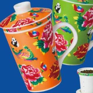 カルディ(KALDI)のパイローブガーネット様専用 カルディオリジナル 茶こし付きマグカップ オレンジ☆(グラス/カップ)