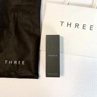 THREE - THREE フローレスエシリアル フルイド ファンデーション 30ml