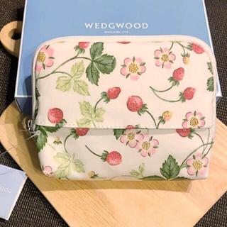 WEDGWOOD - 新品 WEDGWOOD ワイルドストロベリー ティッシュケース付きポーチ
