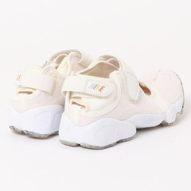 NIKE(ナイキ)の専用*新品未使用*ナイキ*エアリフト*アイボリー*24 レディースの靴/シューズ(スニーカー)の商品写真