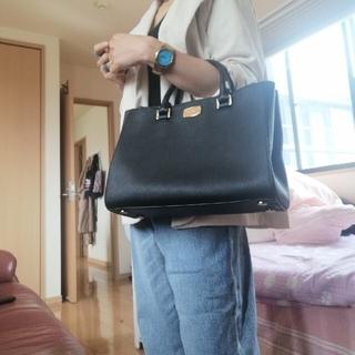 Michael Kors - Michael Kors 2 Way Black Handbag