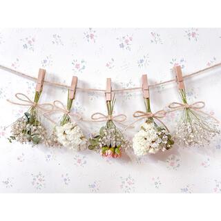 サーモンピンクのバラとかすみ草のホワイトドライフラワーガーランド♡スワッグ♡