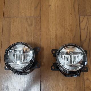 ミツビシ(三菱)の新型 現行 デリカ D5 LED フォグランプ ASSY 純正 ユニット 旧型(車外アクセサリ)