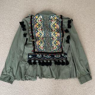 ザラ(ZARA)のZaraミリタリー風 刺繍いり ジャケット(スプリングコート)