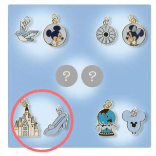 Disney - ブルーエバーアフター チャーム シンデレラ城&ガラスの靴